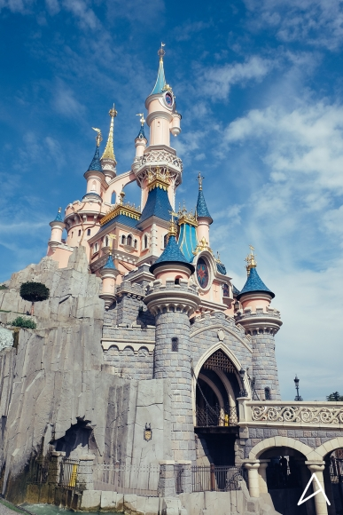 Disneyland_Paris_vertical