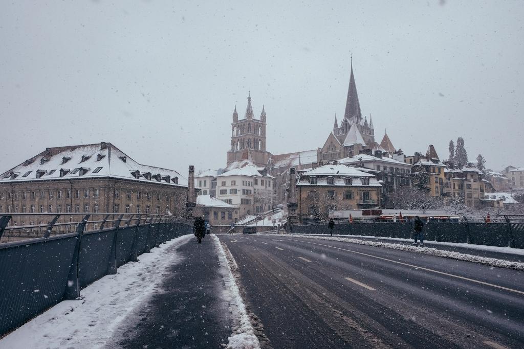 Lausanne_Hiver_Neige_Cite
