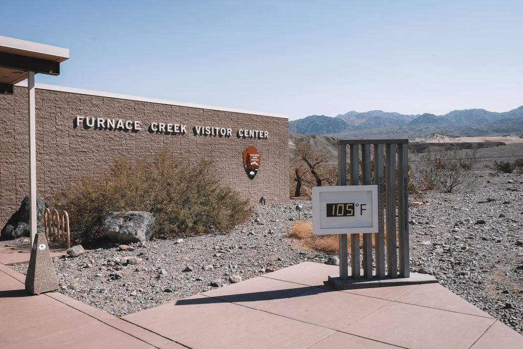L'entrée du Furnace Creek Visitor Center dans la Vallée de la Mort