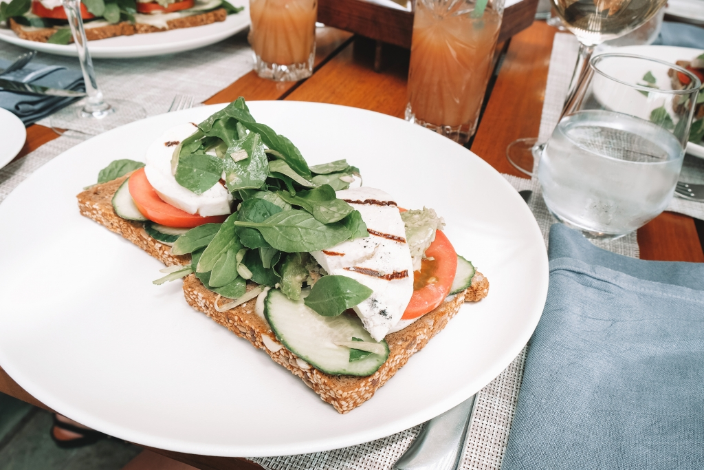 Un délicieux repas en Grèce