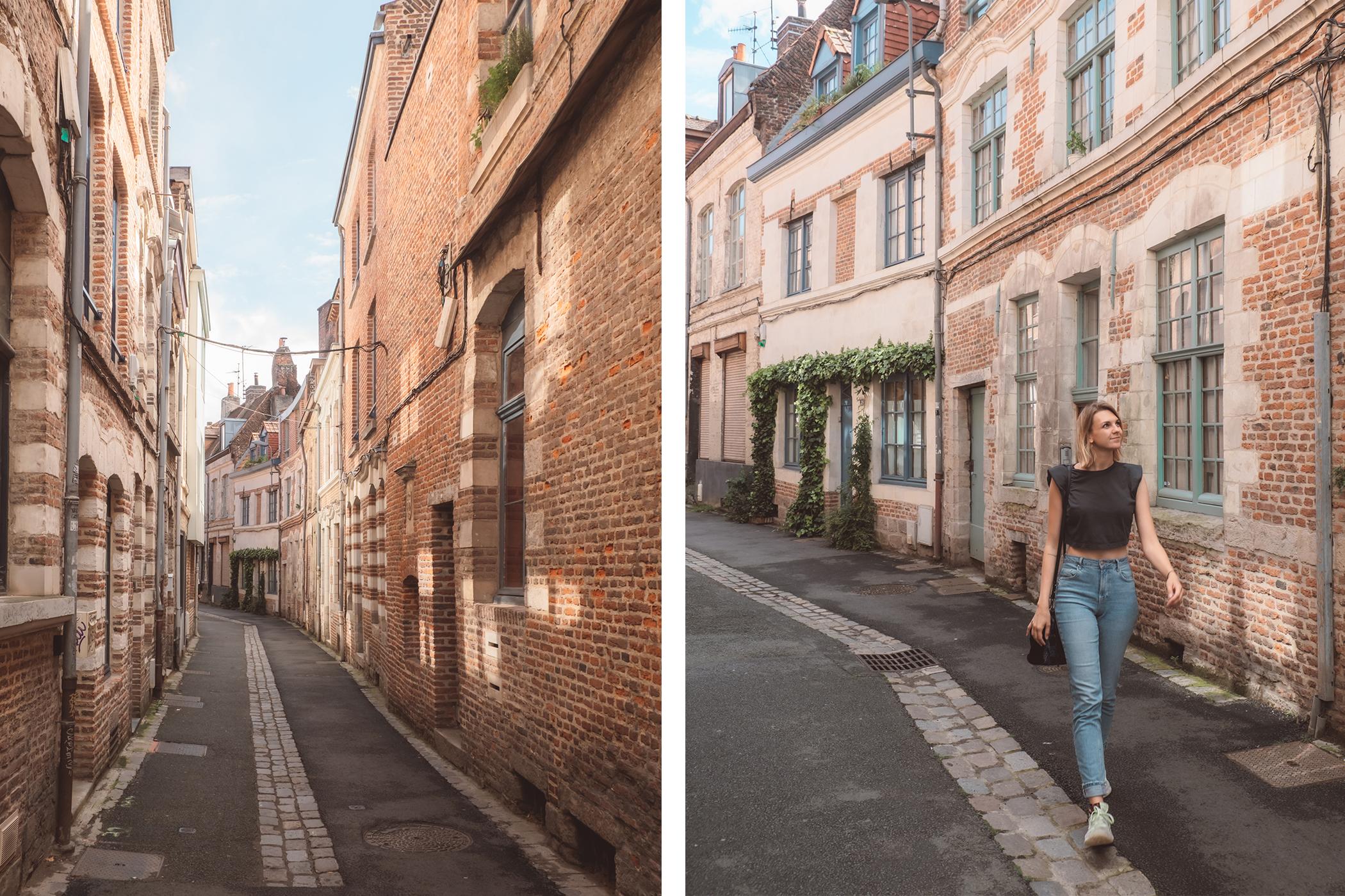 Rues et bâtiments en briques rouges à Lille